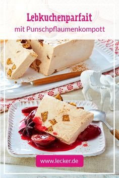 Gingerbread parfait with plum compote recipe DELICIOUS- Our creamy gingerbread parfait with punch plums is the perfect Christmas dessert for large rounds and is easy to prepare. Italian Cookie Recipes, Italian Desserts, Delicious Desserts, Dessert Recipes, Yummy Food, Spice Bread, Italian Pastries, My Favorite Food, Herbs