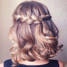 If you want a show-stopper hairstyle, waterfall braid hairstyle is the one for you. Waterfall braid hairstyle is truly a statement styles. This style is the perfect romantic hairstyle for any occasion. Prom Hairstyles For Short Hair, Braids For Short Hair, Pretty Hairstyles, Wedding Hairstyles, Easy Hairstyles, Curly Short, Romantic Hairstyles, Summer Hairstyles, Hairstyle Ideas