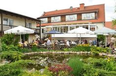 Lindengarten Kleinzerlang Surrounded by beautiful meadows and forests, Lindengarten is located in the peaceful village of Kleinzerlang. This hotel offers a large terrace with beer garden, children's playground, and mini-bowling.
