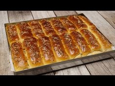 Turske kifle: Mekane kao pena, neverovatno prozračne i preukusne! Kiflice Recipe, Bread Recipes, Cookie Recipes, Blackberry Cake, Serbian Recipes, Torte Cake, Bread And Pastries, Dinner Rolls, International Recipes