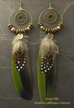 """Créole ethnique plumes """" Abeytu"""" - plumes perles et bronze : Boucles d'oreille par tendances-ethniques-creations"""