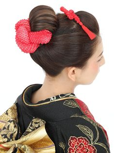 Japanese Buns, Japanese Kimono, Traditional Hairstyle, Traditional Outfits, Bun Hairstyles, Wedding Hairstyles, Updo Hairstyle, Hairdos, Kimono Japan