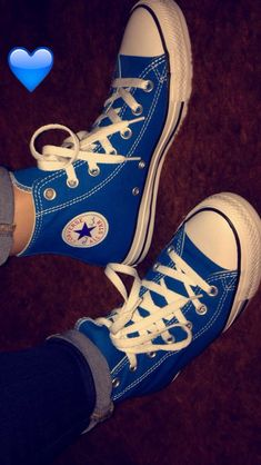 Converse Tennis Shoes, Blue Converse, Converse All Star, Converse Style, Converse Classic, Creative Shoes, Funky Outfits, Custom Shoes, Sock Shoes