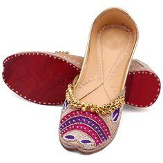 Buy women sandals, loafer shoes, designer shoes, shoe sale, slip on shoes, discount shoes, comfortable shoes for women, casual shoes for women