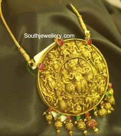 Indian Jewellery Design, Latest Jewellery, Ethnic Jewelry, Indian Jewelry, Jewelry Design, Gold Pendent, Pendant Set, Gold Temple Jewellery, Gold Jewelry