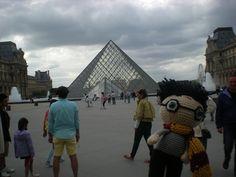 Harry Potter goes to the Louvre Harry Potter, Louvre, Explore, Travel, Amigurumi, Viajes, Exploring, Traveling, Tourism