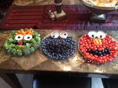 New Fruit Tray Ideas For Party Kids Sesame Streets 44 Ideas Veggie Snacks, Veggie Tray, Sesame Street Party, Sesame Street Birthday, Fruit Juice Recipes, Fruit Packaging, New Fruit, Birthday Cake Decorating, Picnic Foods