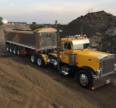 Semitrckn Show Trucks, Hot Rod Trucks, Big Rig Trucks, Peterbilt Dump Trucks, Peterbilt 379, Custom Big Rigs, Custom Trucks, Car Dump, Dump Trailers