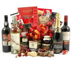 Win a Free Christmas Hamper Worth up to £200 from Hampergifts.co.uk
