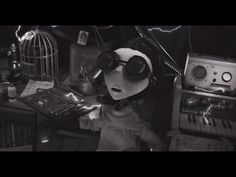 ▶ Frankenweenie Trailer - YouTube
