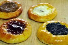 Kolache (Koláče) recipe - Slovak Cooking - My site Slovak Recipes, Czech Recipes, Ethnic Recipes, Slovakian Food, Czech Desserts, European Cuisine, Polish Recipes, Polish Food, Savoury Dishes