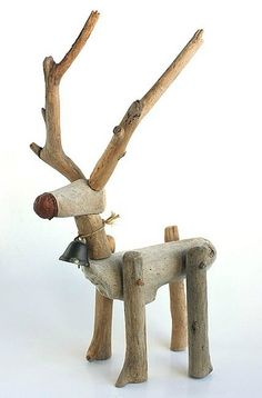 This driftwood reindeer is so cute, and I'd place him infront of my Holiday tree Coastal Christmas, Christmas Wood, Christmas Projects, Christmas Ornaments, Driftwood Christmas Tree, Reindeer Christmas, Driftwood Christmas Decorations, Lawn Ornaments, Woodland Christmas