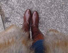 Gorgeous flat boots!