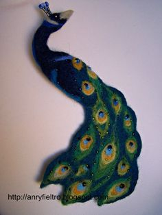 Needle felted art | Peacock needle felted brooch art accessorie by ArteAnRy on Etsy, €39 ...