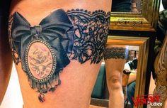 jarretière 3- garter belt 3 Tattoo, Silk Stockings, Tattoo Designs, Tattoo Ideas, Cool Tattoos, Skull, Ink, Garter Tattoos, Belt