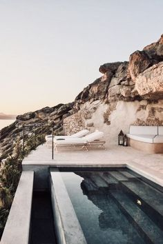 Top 10 Four Seasons Hotels and Resorts – Travel Seyehat Oh The Places You'll Go, Places To Travel, Travel Destinations, Places To Visit, Holiday Destinations, Piscina Hotel, Wild At Heart, Design Patio, Four Seasons Hotel