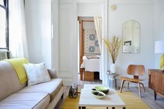 Streamlined Simplicity in 325 Square Feet — House Tour