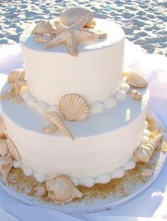 *** This is the simple Beachy Wedding cake we are going for *** Now to find a de - Hochzeitstorte - Wedding Cakes Trendy Wedding, Summer Wedding, Wedding Beach, Beach Weddings, Beach Themed Wedding Cakes, Wedding Simple, Wedding Themes, Diy Wedding, Seashell Wedding