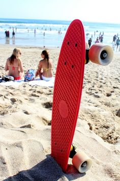 Beach boarding /// If you can't surf then hang ten and skate. Board Skateboard, Penny Skateboard, Skateboard Design, Complete Skateboards, Cool Skateboards, Custom Skateboards, Skates, Long Skate, E Mobility