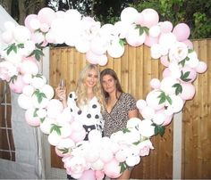 Gorgeous customer pic showing how to use the BLOOMS & BALLOONS photo backdrop perfectly .... Happy Birthday to the lovely @x.chloe.waterson.x      #propmepretty #propmeprettyballoons #backdrop #photobackdrop #party #prop #balloon #balloons #flowers #flowerbackdrop #balloonbackdrop #partydecorations #partydecor #decor #decorations #birthday #gardenparty #birthdayparty #partypack #partypackages