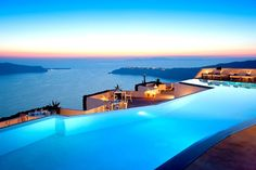 Boutique Hotel, Santorini,Greece - living behind the sea and the sky