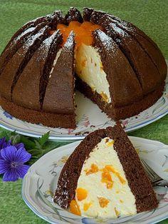 Kilimandscharo Torte, ein beliebtes Rezept aus der Kategorie Torten. Bewertungen: 10. Durchschnitt: Ø 4,3.