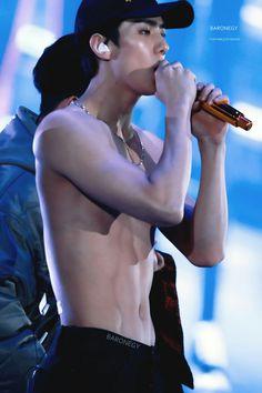 Sehun stop 🛑 go put on a shirt pls because you being too sexy Baekhyun Chanyeol, Sehun Hot, Exo Korean, Korean Men, Asian Men, K Pop, Rapper, Kpop Guys, Kpop Exo