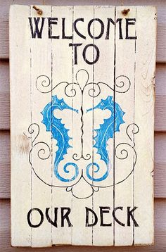 DIY Simple Weathered Seahorse Sign (with free printable graphic)