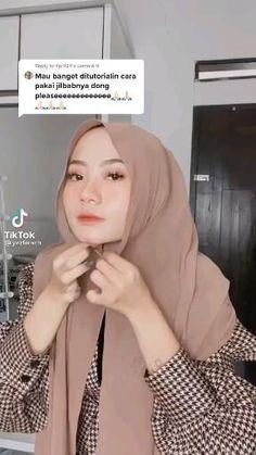 Tutorial Hijab Modern, Hijab Style Tutorial, Pashmina Hijab Tutorial, Stylish Hijab, Modern Hijab Fashion, Long Hair Video, Beauty Tips For Skin, Hijabs, Random