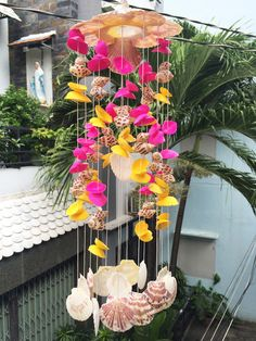 Give a Wedding Gift that Lasts with Personalized Wind Chimes Finding that perfect wedding gift is no picnic. There are so many wedding gift items available Seashell Wind Chimes, Crystal Wind Chimes, Seaside Decor, Sea Shells, Gifts For Her, Unique Gifts, Floral Wreath, Projects To Try, Arts And Crafts