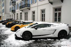 Snowy Lamborghini __________________________ WWW.PACKAIR.COM
