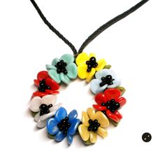 """Tutorial for multicolor flower kumihimo necklace - """"Girly Thing"""" by LaBrujaPL on Etsy"""