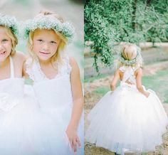2017 Cute Ball Gown Flower Girls Dresses For Weddings Tulle Lace Floor Length White Ivory Little Girls Dresses Communion Dresses For Girls