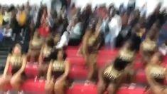 Cheers STOMPS & CHANTS 🤸🏻♀️ Cheer Dance Routines, Cheer Moves, Cheer Workouts, Cheer Stunts, Cheerleading Chants, Black Cheerleaders, Dance Music Videos, Dance Sing, Cheer Coaches