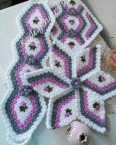 Yarn Crafts, Diy And Crafts, Crochet Granny, Knitting Patterns, Stitch, Blanket, Crochet Doilies, Tutorial Crochet, Kites