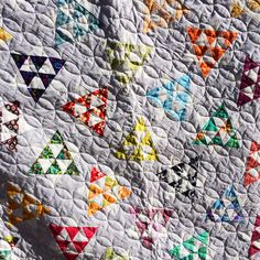 Dancing Stars Quilt by Amy Ellis - FREE Quilt pattern and paper piecing video tutorial! Quilt Patterns Free, Star Patterns, Free Pattern, Book Quilt, Quilt Top, Star Quilts, Quilt Blocks, Quilt Storage, Plum Purple