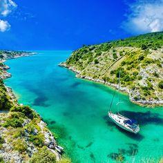 Croatia sailing: You can find information here about sailing trips &tours, ports, coasts around Croatia. Sail in. Visit Croatia, Sailing Trips, Sailing Boat, Beach Video, Sailing Holidays, Boat Rental, Beautiful Sunrise, Romantic Getaway, Croatia