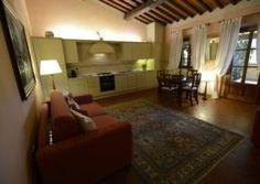 Tenuta i Massini nella cornice della Valle del Chianti, immersa nei Colli Fiorentini con appartamenti suite e case per la vostra vacanza in Toscana.