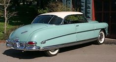 Hudson Hornet, 1952. Lots of headroom for my hat.
