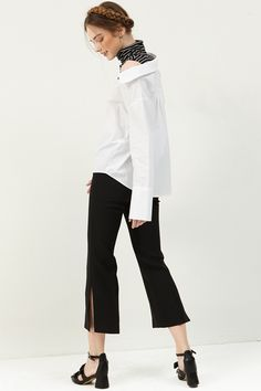 Agnes Side Slit Pants . Discover the latest 2017 #fashion trends online at storets.com  #slitpants #blackpants #blackslitpants