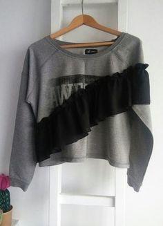 Kup mój przedmiot na #vintedpl http://www.vinted.pl/damska-odziez/bluzki-z-dlugimi-rekawami/18118025-bluza-bluzka-szara-obszerna-krotka-grunge-napis-falbana-l-vintage-casual
