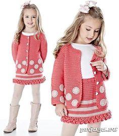 Best 12 Ravelry: Project Gallery for Buttoned Jacket pattern by Mon Petit Violon – SkillOfKing. Crochet Baby Sweaters, Crochet Coat, Crochet Tunic, Crochet Baby Clothes, Crochet Girls, Crochet For Kids, Knitting For Kids, Baby Knitting, Baby Girl Patterns