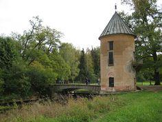 Tour Pil - Pavlovsk - Construite entre 1795 et 1798 par Vincenzo Brenna.