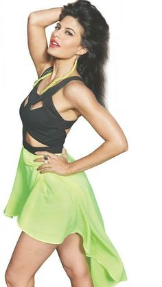 Jacquline Fernandez, Galaxy Pictures, Bollywood Stars, Bollywood Actress, Skater Skirt, Thighs, Mini Skirts, Actresses, Hot