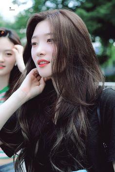 Cute Korean, Korean Girl, Kpop Girl Groups, Kpop Girls, Korean Beauty, Asian Beauty, Jung Chaeyeon, Kim Doyeon, Pre Debut