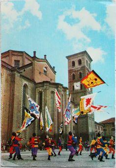 """The group of """"sbandieratori del Palio di Asti"""" in Piemonte, Italy"""