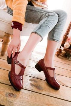 Vintage T-strap Pumps In Burgundy Sock Shoes, Cute Shoes, Me Too Shoes, Shoe Boots, T Strap Pumps, T Strap Shoes, Sneakers Mode, Sneakers Fashion, Fashion Shoes