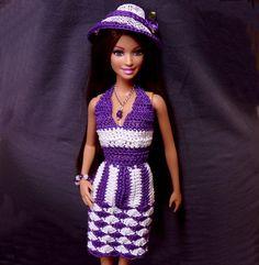 He encontrado este interesante anuncio de Etsy en https://www.etsy.com/es/listing/229134549/purple-and-white-hand-crochet-barbie