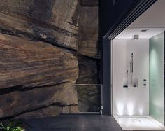 Zen Master Suite With Outdoor Views Either End by Minosa Grand Designs Australia, Modern Bathroom Design, Bathroom Interior Design, Bathroom Designs, Bathroom Ideas, Bathroom Trends, Master Suite, Bauhaus, Agi Architects