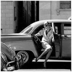 Carmen Dell'Orefice by Jerry Schatzberg in 1958. ...fabulous #glamour #style #fashion #beauty #1950s #allure #elegant #sexappeal #model #icon